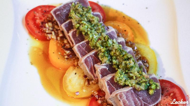 Thunfisch Tataki mit Chili-Tapenade