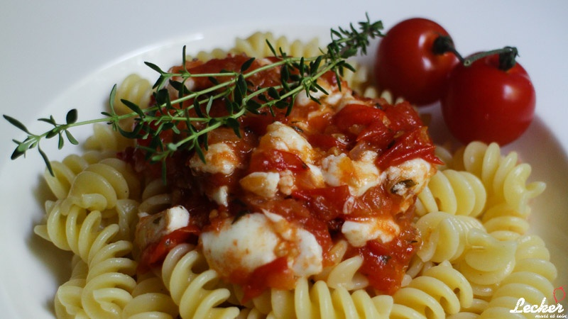 Tomatensauce mit Mozzarella