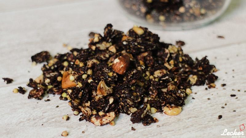 Knuspriges Schokoladen Granola (Knuspermüsli)