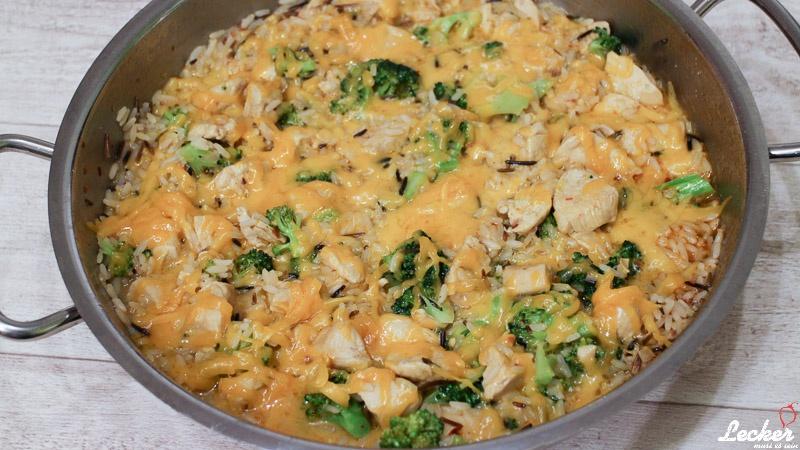 One Pan mit Reis und Huhn