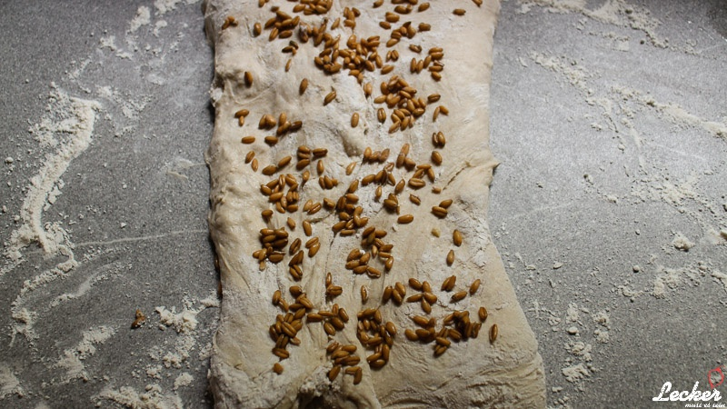 lecker_muss_es_sein_05_2015_No-knead-Bread-Dinkel-Brot-ohne-kneten-6