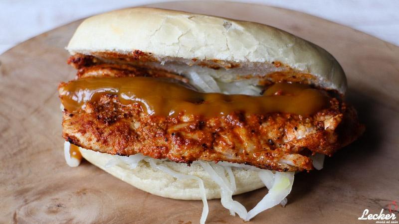 Hot Bat oder Kachelfleisch im Hot Dog Brötchen