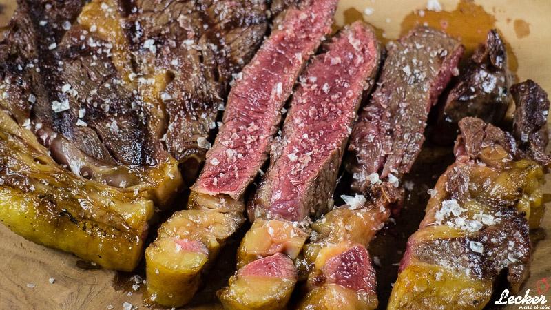 lecker_muss_es_sein_01_2016_Oma-Kuh-Steak-nach-Txogitixu-Art-Dry-Aged-3
