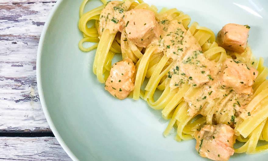 Pasta mit Lachs Sahne Sauce