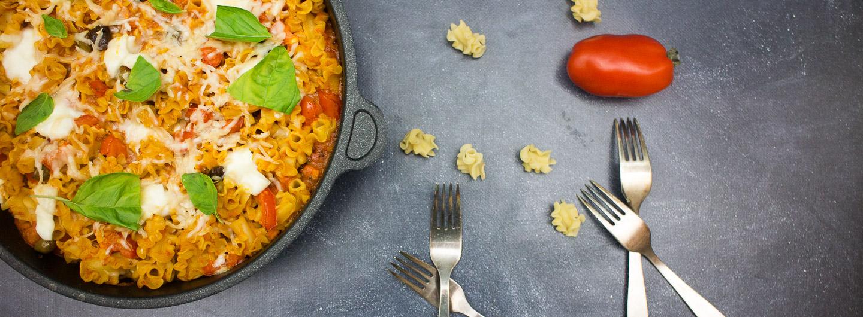 Pasta al forno mit Büffelmozzarella Taggiasca Oliven